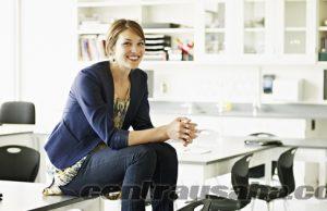 wanita karir sukses merangkap ibu rumah tangga
