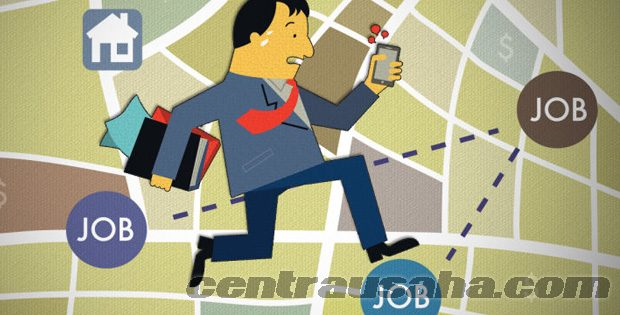 Cara bisnis karyawan kantor sambil bekerja