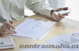 Laporan keuangan meghitung keuntungan bisnis dan usaha