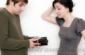 Meminjamkan uang pada teman dekat